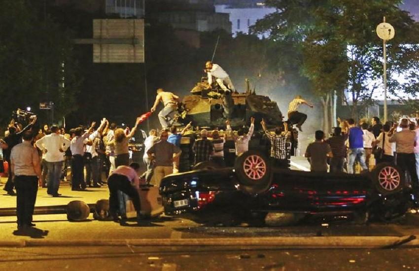 Fallito golpe di 4 anni fa, in Turchia ergastoli a pioggia