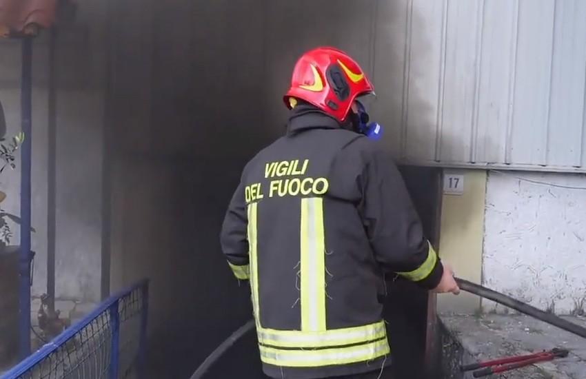 Il presepe va in fiamme. Incendio in un'abitazione a San Tommaso