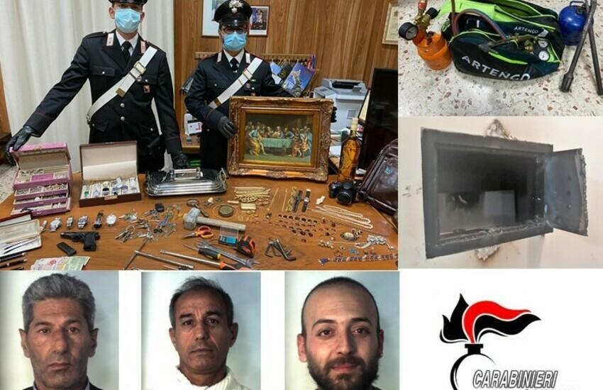 Catania, arrestati tre professionisti del furto. Avevano svaligiato un appartamento al centro di San Gregorio