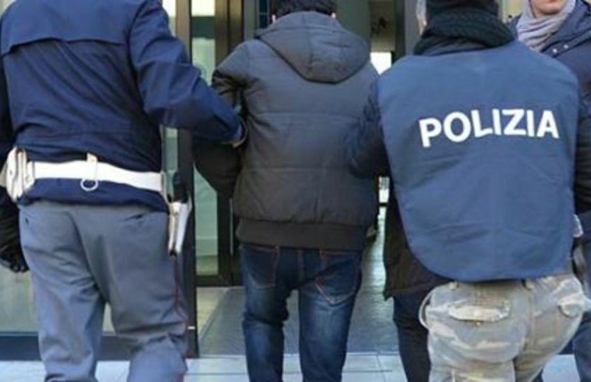 Tragedia a Torino, 50enne guardia giurata spara e uccide l'ex moglie