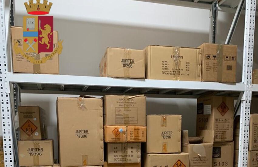 Fiumicino, sequestrati 480 kg di materiale pirotecnico. Denunciati due cittadini cinesi