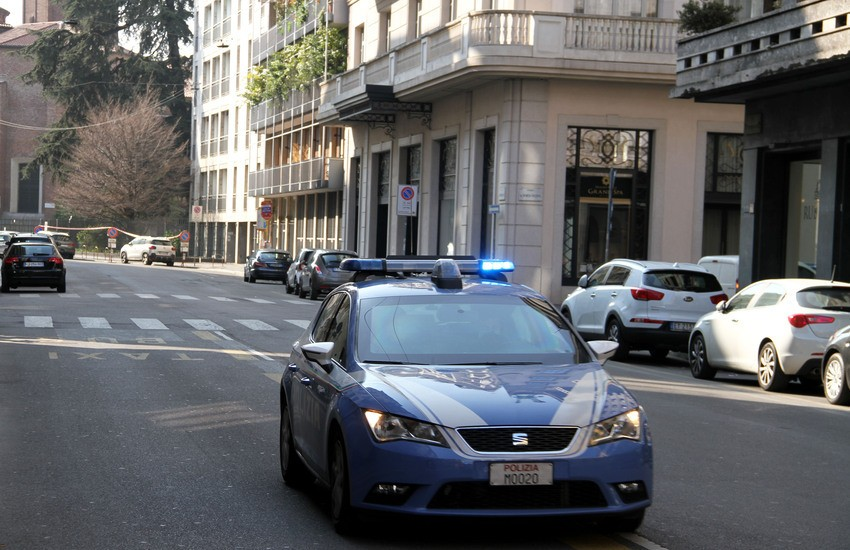 Milano, via Giovanni Battista Boeri, forzati i box di un condominio. La Polizia arresta un uomo