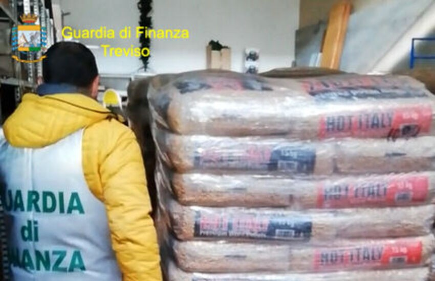 Sequestrate 46 tonnellate di pellet false made in Italy
