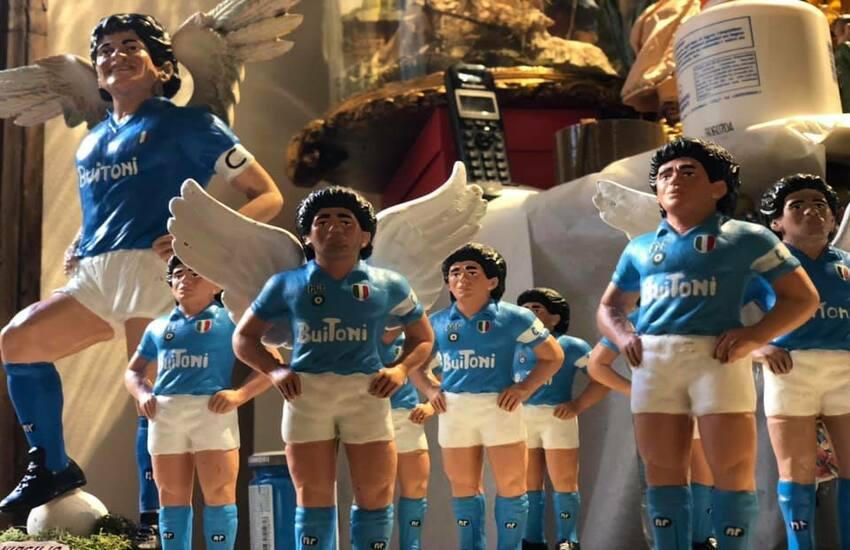 Maradona con le ali sul presepe 2020, la nuova creazione del maestro Genny Di Virgilio