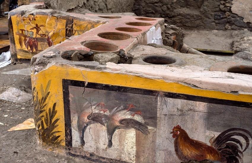 """Altro straordinario ritrovamento a Pompei, riemerge uno """"street food"""" del passato"""
