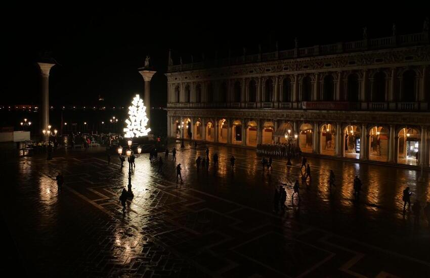 In Piazza San Marco si accende il Natale