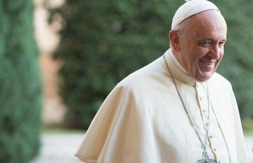 Sciatalgia, il Papa non celebrerà messa neanche oggi