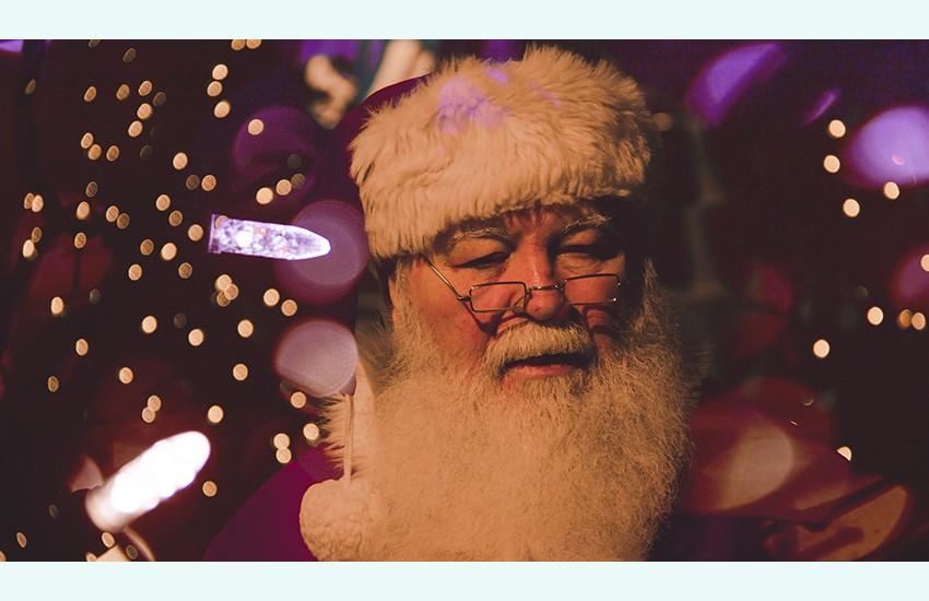 Una videochiamata a Babbo Natale da Santa Maria a Vico