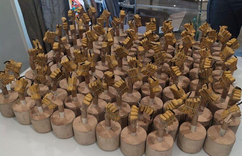 Roma, sequestrati 12 kg di materiale esplodente in un esercizio commerciale e 307 petardi presso un'abitazione privata. Denunciate due persone