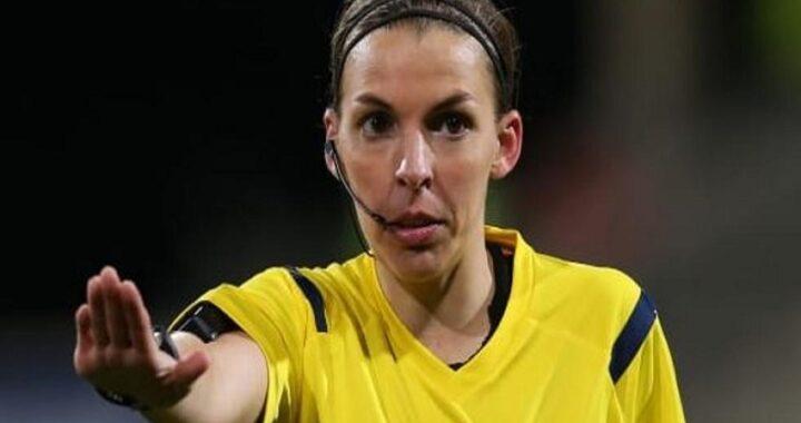 Stephanie Frappart, primo arbitro donna in Champions. Dirigerà Juve-Dinamo Kiev