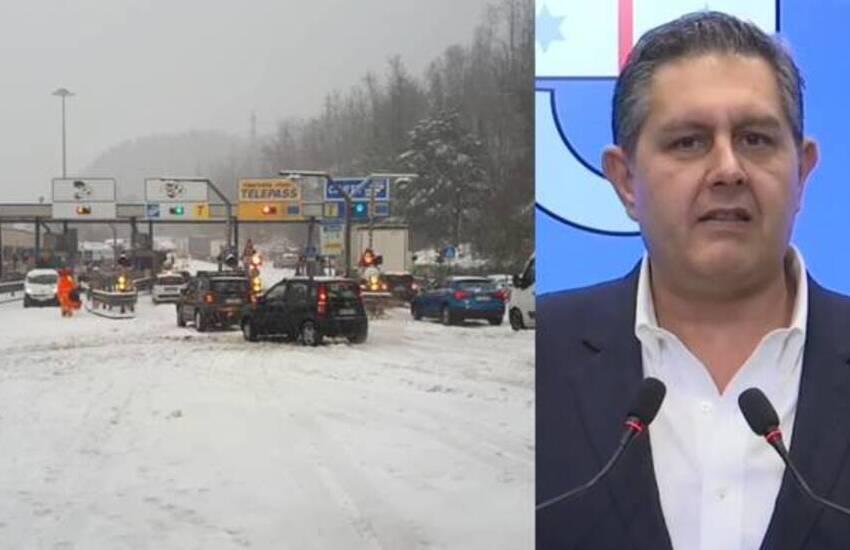 """Caos autostrade, neve in A7, arriva la protezione civile. Toti: """"Inaccettabile"""""""