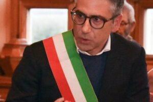 """Il sindaco di Lizzanello contro il Dpcm: """"A Natale pagherò la multa, ma lo passerò con mia madre"""""""