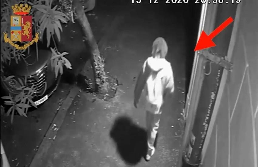 [VIDEO] Roma, violenta e rapina una donna mentre torna a casa, 29enne di etnia africana arrestato