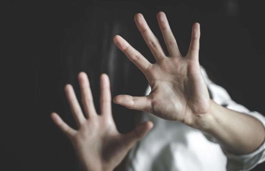 Baia Domizia, un 34enne aggredisce il padre con una spranga e minaccia la sorella