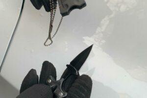 Nascondeva coltello nel ciondolo, tunisino denunciato