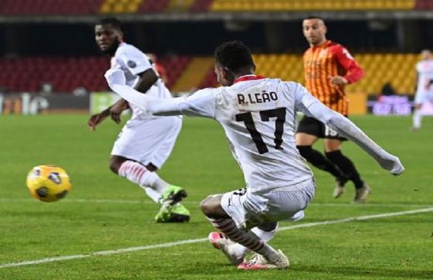 Il Milan si conferma capolista giocando in 10 per un tempo. E mercoledì arriva la Juve a San Siro