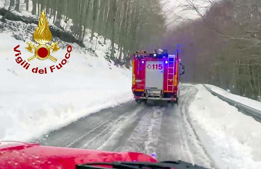 Salvi i 3 giovani rimasti bloccati ieri dalla neve sul Monte Terminio