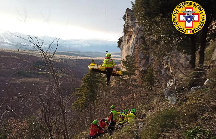Roccamorice, arrampicata in falesia: in gravi condizioni l'escursionista di Pescara caduta oggi