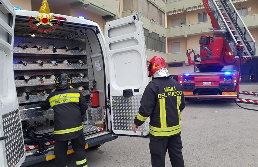 Incendio nel pomeriggio in via Cappuccini. Intervenute 2 squadre dei Vigili del Fuoco