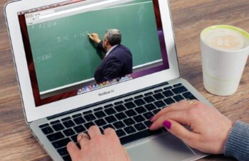 Lombardia, scuole superiori in Dad fino al 24 gennaio. Provvedimento d'intesa con il Cts regionale
