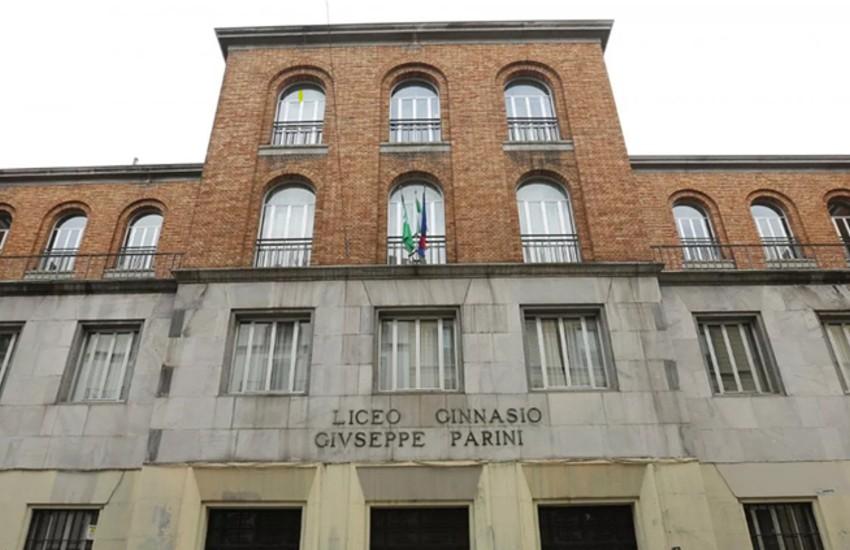 Milano, protesta contro la Dad, studenti occupano il liceo classico Parini