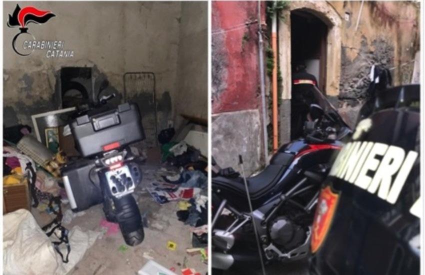 """Catania, deposito di moto rubate in via Petriera, una Bmw era stata appena """"prelevata"""" in via Fiorentino"""