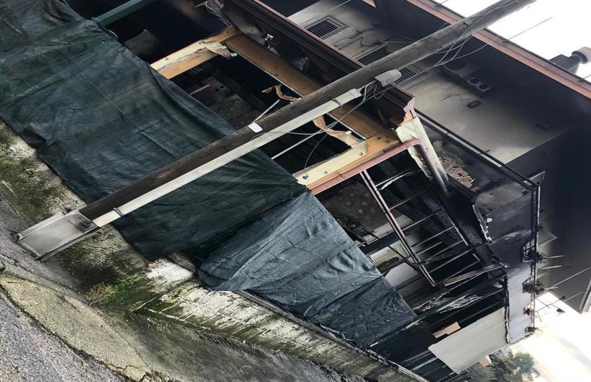 Incendiato un negozio a Cicciano, si indaga sulle cause