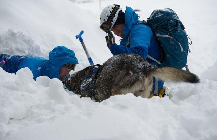 """Il Monte Velino restituisce i dispersi, Pezzopane (Pd): """"neve bianca caduta a valanga su quattro brave persone che amavano la montagna"""""""