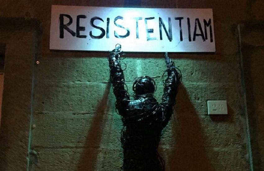 #Resistentiam, l'installazione di Marina Ioppolo che invita a resistere al Covid