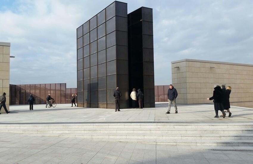 Giorno della Memoria 2021 Bologna: domani la deposizione delle corone nei luoghi della Memoria