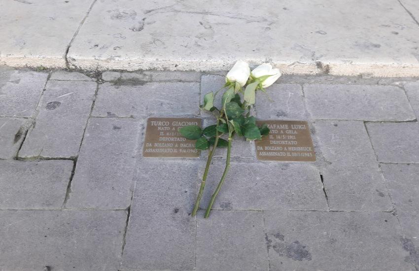 """Giornata della Memoria, cerimonia davanti al Municipio. Il sindaco Greco: """"errori ed orrori avvenuti nella civilissima Europa"""""""