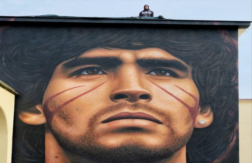 Lo splendido murales di Maradona a Quarto è pronto, il regalo di Jorit al suo quartiere