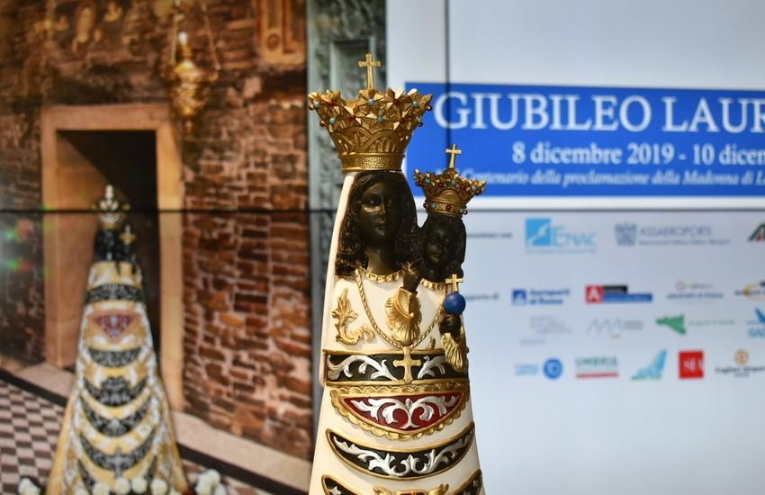 Liguria, Aeroporto Colombo di Genova, la statua della Madonna di Loreto visitabile fino al 21 gennaio