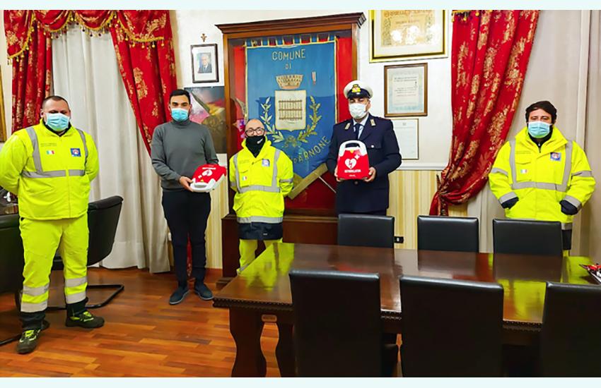 Primo soccorso, 2 defibrillatori alla polizia municipale di Cancello ed Arnone