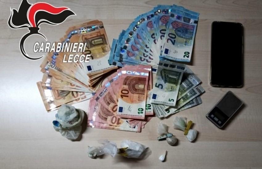 Cocaina, eroina e duemila euro in casa. Un arresto e una denuncia per spaccio a Lecce