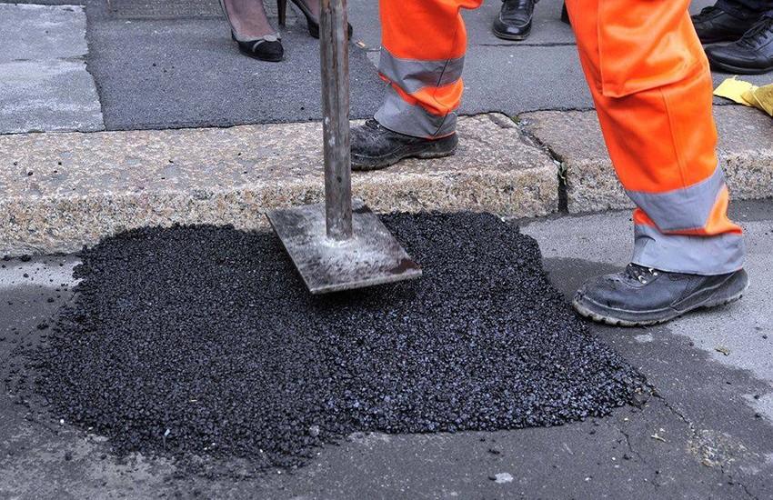 Buche pericolose a Caserta: attiva la procedura di affido della manutenzione stradale