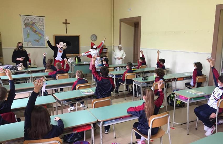 Il sindaco di Mercogliano torna a scuola. Una sorpresa per tutti