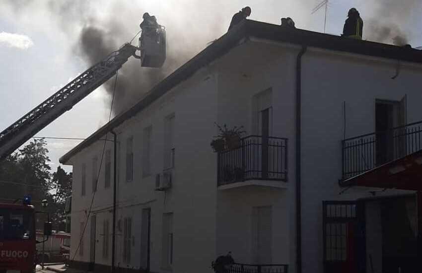 Raddusa, incendio in un'abitazione di via Alcide de Grasperi