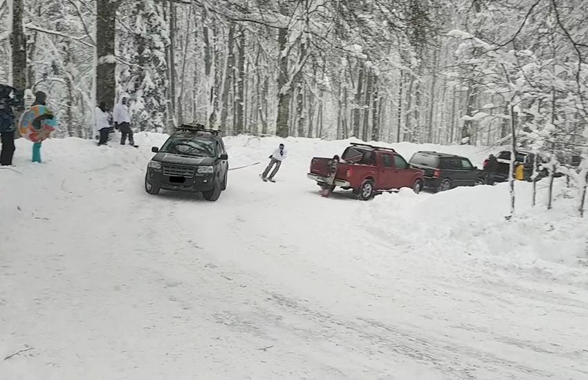 Fa sci nautico con l'auto sulla neve: intervengono i carabinieri