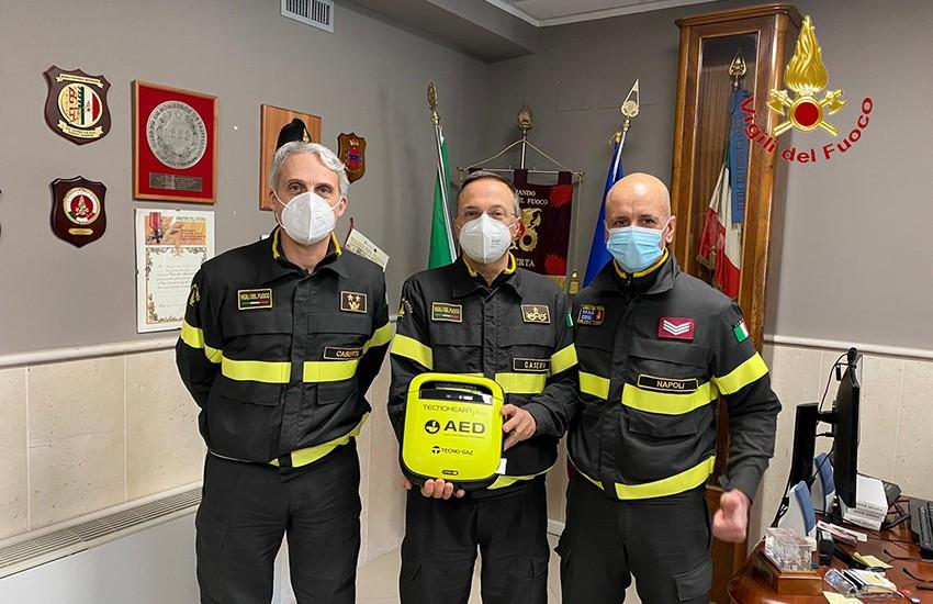 """Un nuovo defibrillatore ai Vigili del Fuoco: """"ci aiuterà ad affrontare le emergenze"""""""
