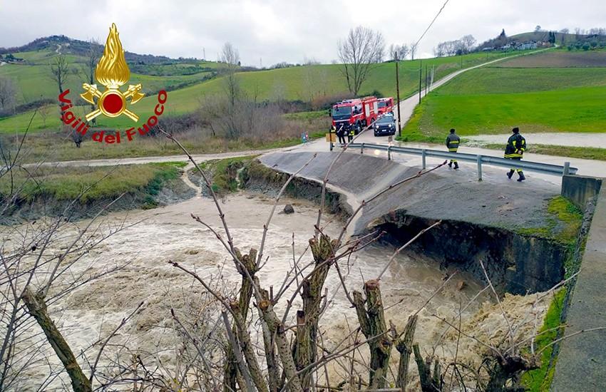 Piogge torrenziali e forti grandinate in Irpinia. Gli interventi dei Vigili del Fuoco