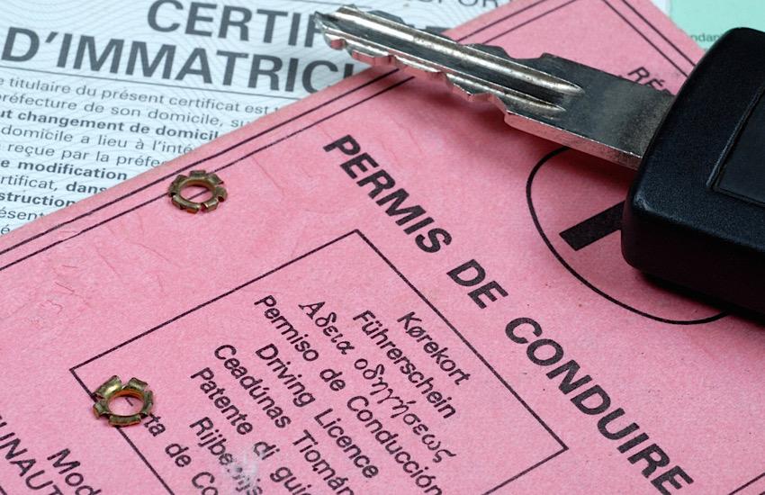 Patente e libretto falsi: denunciato uno straniero senza permesso di soggiorno