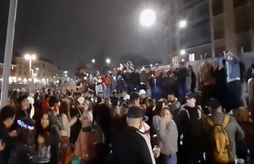 Milano: Ingressi contingentati in Darsena dopo maxi assembramento