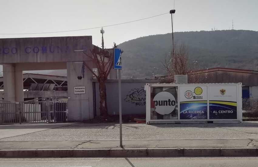 """Albano (Pd): """"due strutture avveniristiche donate alla città alcuni anni fa giacciono abbandonate"""""""