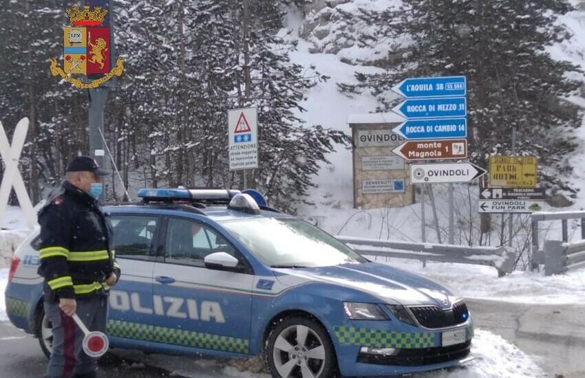 Polizia stradale pronta ai soccorsi, in questa fredda domenica