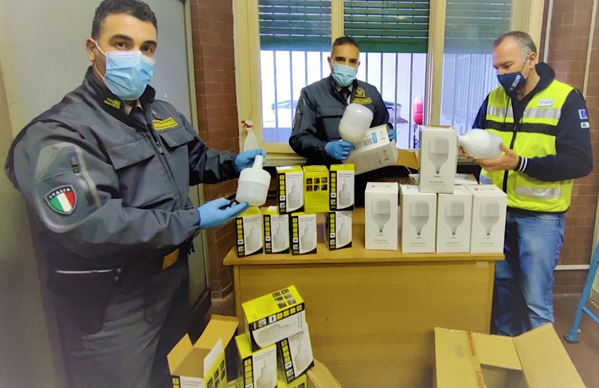 Porto di Livorno: sequestrate oltre 1.000 lampade provenienti dalla Cina