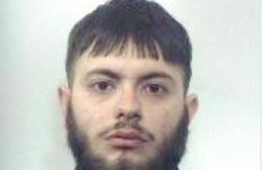 Paternò, trovato con la droga in casa, arrestato spacciatore
