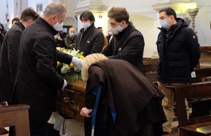 Mestre, il funerale del clochard Giorgio Mandich