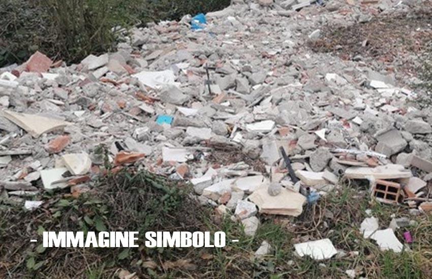 Montebelluna, rifiuti abbandonati: proseguono le indagini della Polizia locale su via Lauretana