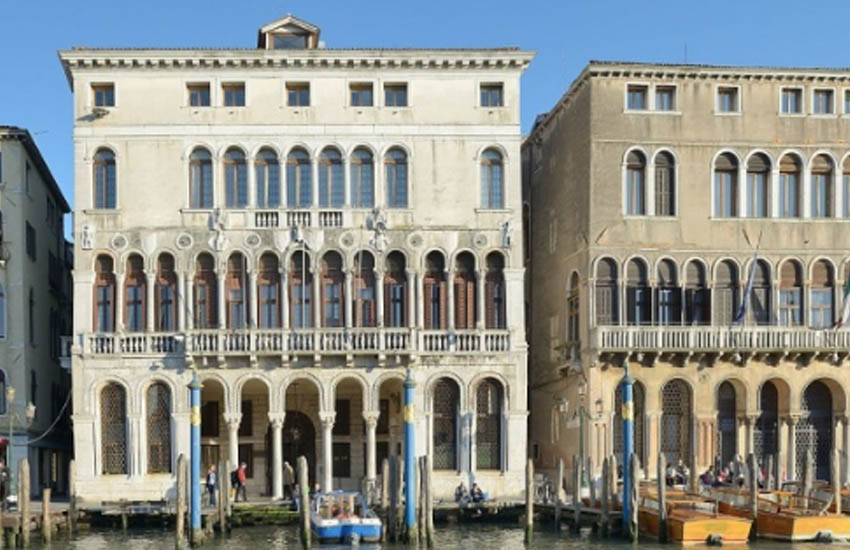 """Venezia, """"Giornata mondiale della Croce Rossa e della Mezzaluna rossa"""": sabato i palazzi comunali illuminati di rosso"""